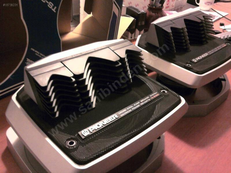 enceintes voitures realistic car speaker system le forum. Black Bedroom Furniture Sets. Home Design Ideas