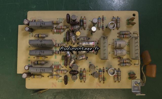 Accuphase E-202 : circuit phono révisé.