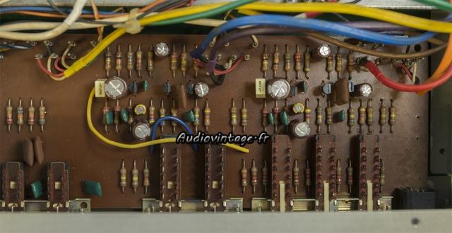 Akai AA-5510 : phono révisé.