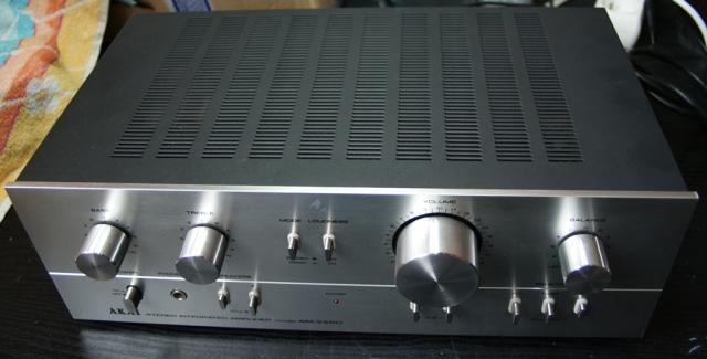 Akai AM-2250