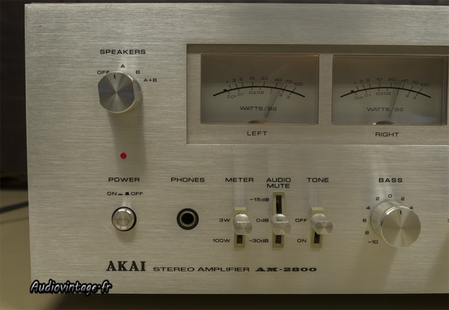 Akai AM-2800