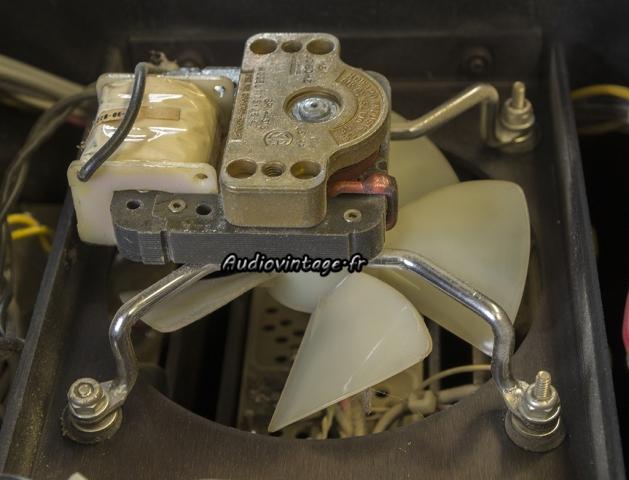 Audio Research D-79A : ventilateur superbement construit.