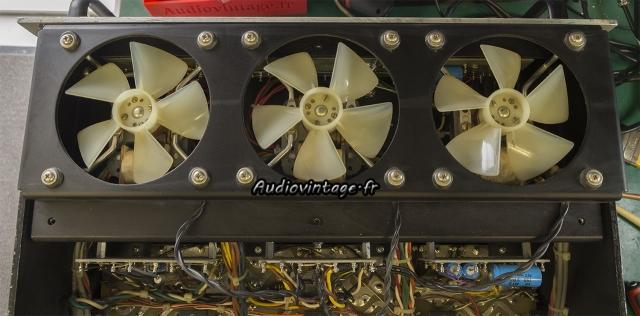 Audio Research D-79A : ventilateurs propres.