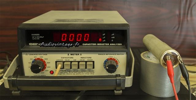 Audio Research D-79A : test à 300v d'un condensateur Mallory.