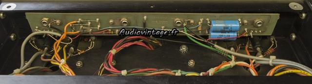 Audio Research D-79A : : condensateurs chimiques à remplacer.