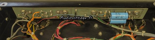 Audio Research D-79A : condensateurs chimiques neufs en place.