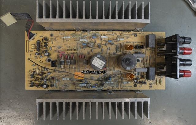 Grundig V2 : circuit principal à revoir.