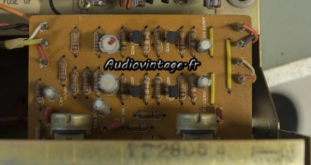 Harman Kardon A401 : circuit tonalité à revoir.
