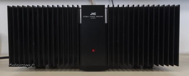 JVC M-3030 : il en impose !