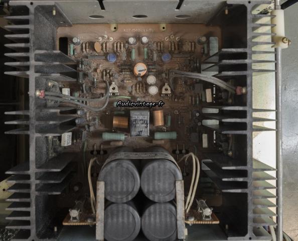 Kenwood KA-8100 : circuit principal à réviser.