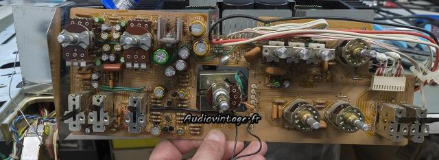 Kenwood KA-8100 : circuit de tonalité et filtres à revoir.