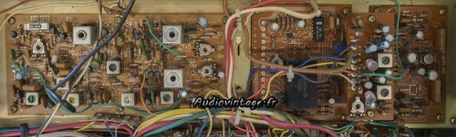 Kenwood KR-9400 : condensateurs chimiques à remplacer.