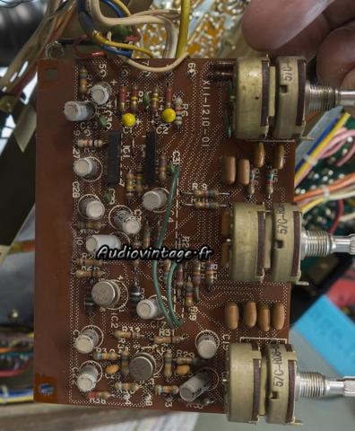 Kenwood KR-9400 : circuit tonalité à revoir.