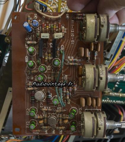 Kenwood KR-9400 : circuit tonalité révisé.