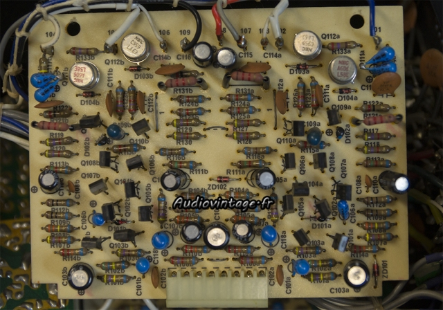 Luxman C-1000