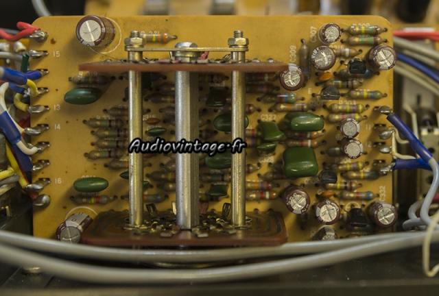 Luxman L-308 : circuit d'égalisation linéaire revu.