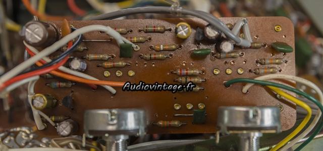 Luxman L-81 : circuit de tonalité revu.