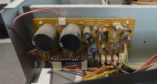 Luxman M-03 : circuit alimentation/protection à réviser.