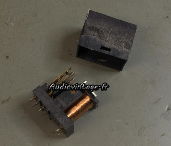 Luxman M-03 : relais à nettoyer.