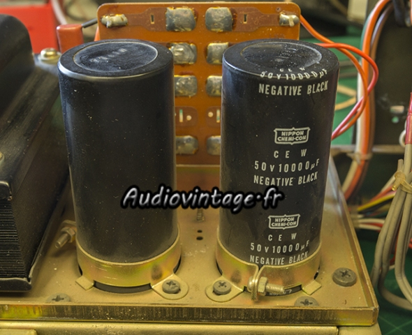Luxman R-1045