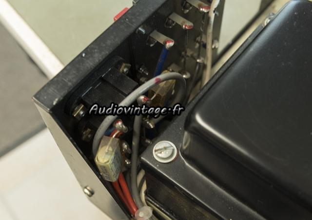 Luxman SQ507X : condensateurs X2  en place.
