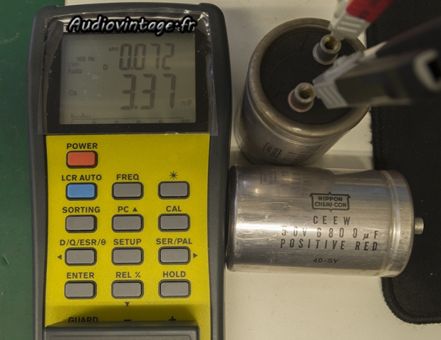Luxman SQ507X : condensateurs très usés !