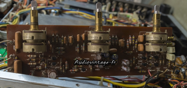 Marantz 2240 : circuit de tonalité révisé