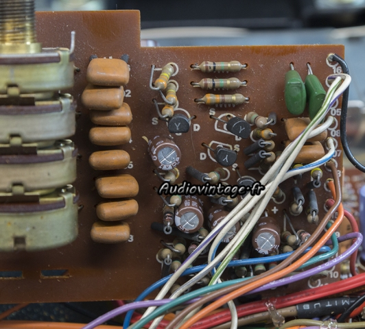 Marantz 4400 : circuit diode matrix revu.