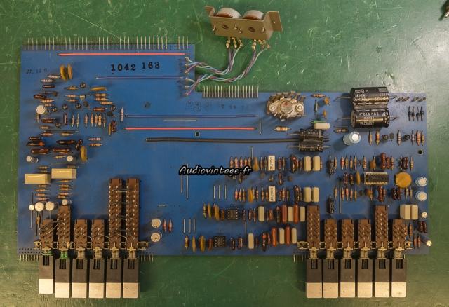 Marantz 3800 : condensateurs chimiques à remplacer.