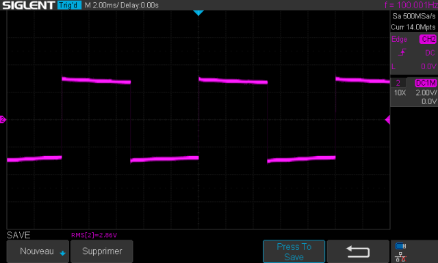 McCormack DNA-125 : signal-carré-à-100hz