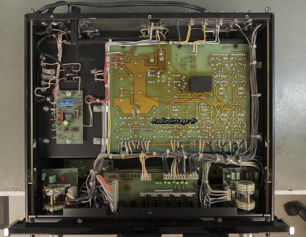 McIntosh C29 : relais de muting en place.