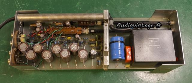 Ortofon MCA-76 : condensateurs chimiques remplacés.
