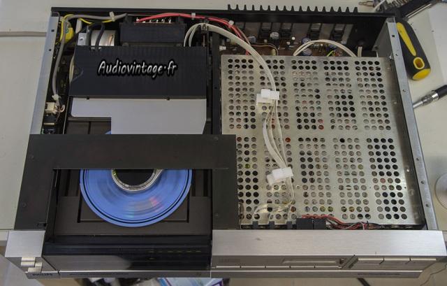 Philips CD303
