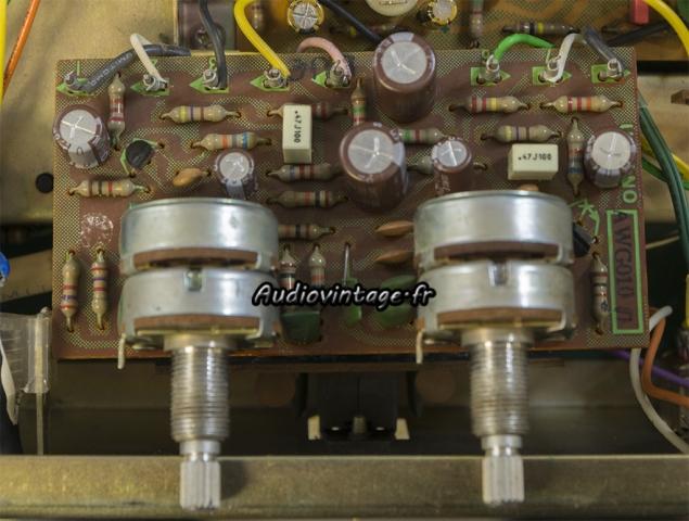 Pioneer SA-500A : circuit de tonalité revu.