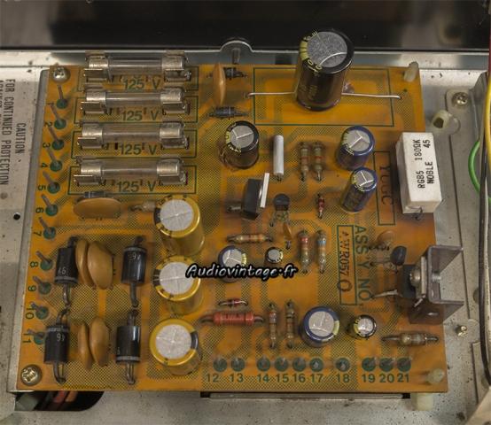 Pioneer SX-737 : alimentation revue.