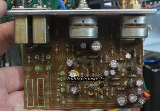 Pioneer SX-737  : circuit de tonalité revu.
