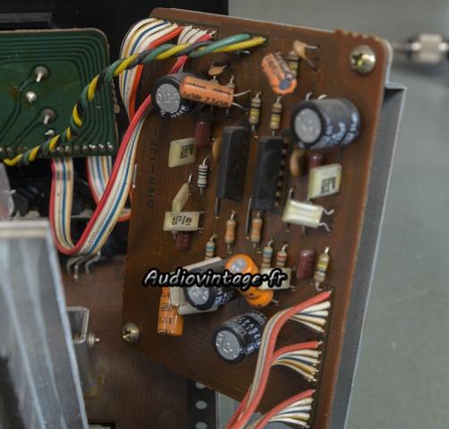 Pioneer SA-608 : étage phono à revoir.
