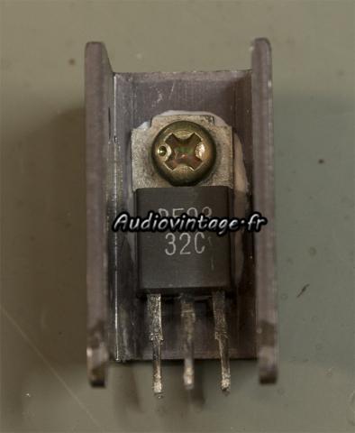 Pioneer SA-9100 : transistor nettoyé.