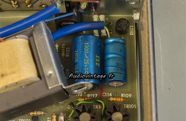 Quad FM 3 : condensateurs à remplacer.