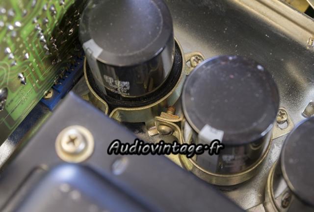 Accuphase : en manque de support de condensateur.