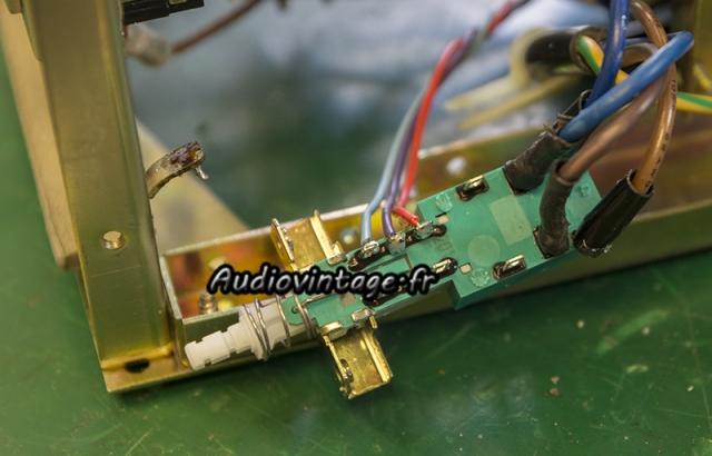 Rotel RA-612 : nouveau switch en place.