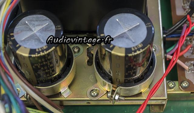 Rotel RA-612 : condensateurs de filtrage neufs en place.