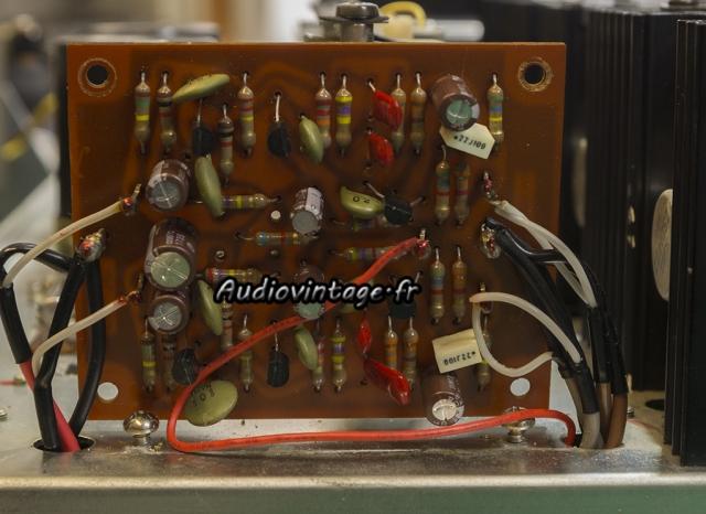 Rotel RA-810 : étage phono revu.