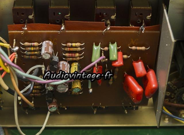 Rotel RA-810 : circuit de tonalité revu.