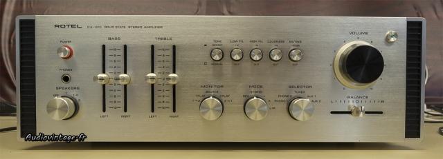 Rotel RA-810 : plaisant à regarder et à écouter.