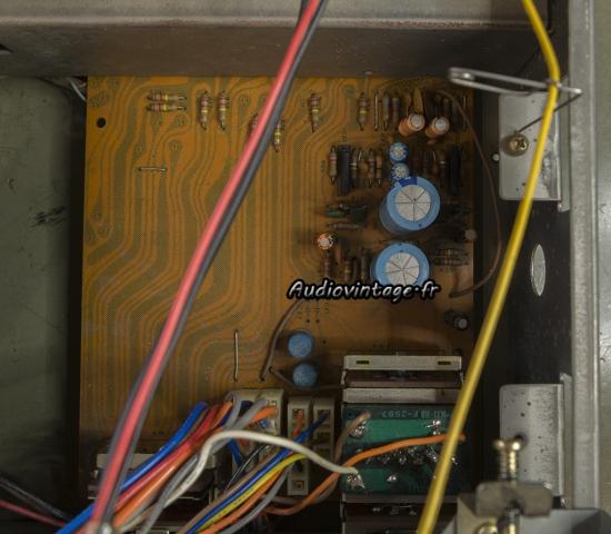 Sansui 8080 : circuit phono à revoir.