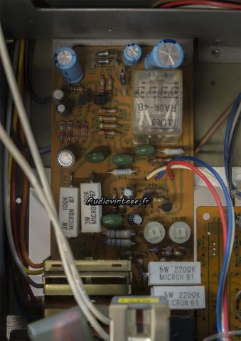 Sansui 8080 : circuit de protection/vumètres à revoir.