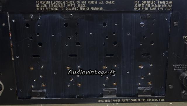 """Sansui 8080 : radiateur """"interne"""" nettoyé."""