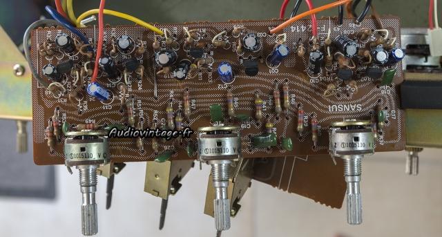 Sansui AU-5500 : circuit de tonalité à revoir.