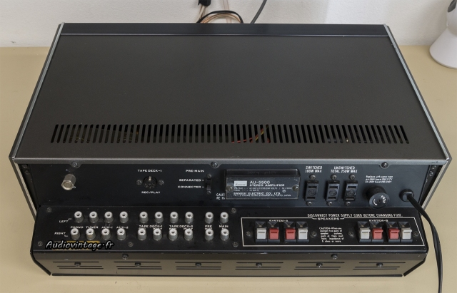 Sansui AU-5500 : connectique.